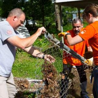 AmeriCorps St. Louis and Home Depot in Bull Creek